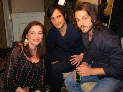 Cecilia Bográn junto a Gael García y Diego Luna, reconocidos cineastas mexicanos