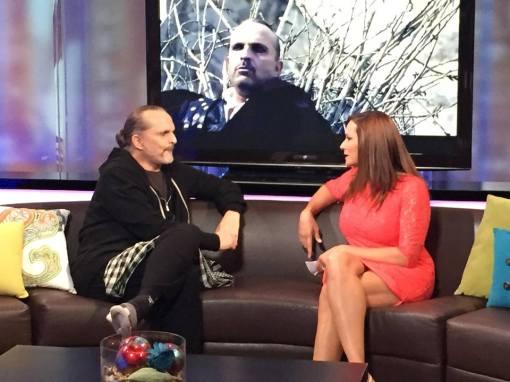 Cecilia Bográn junto a Miguel Bosé, en una entrevista reciente