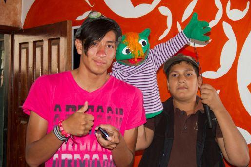 El taller de títeres genera también una participación de los jóvenes hondureños en Walabis.