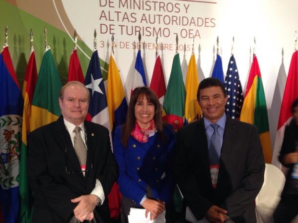 Magali Silva, Ministra de Comercio Exterior y Turismo de Peru, Emilio Silvestri, Ministro Director del IHT y Embajador Humberto López Villamil. Foto: SRE.