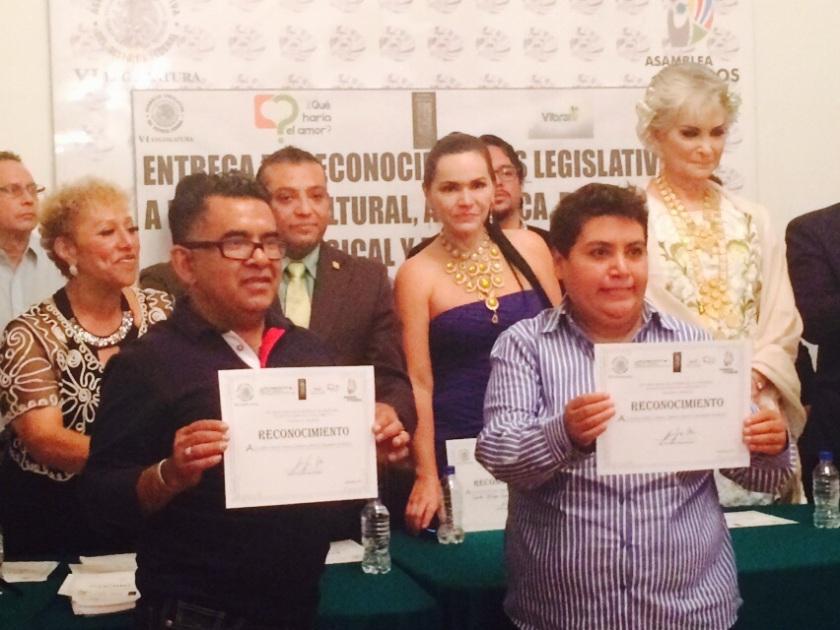 En el 2015 la Cámara de Senadores de México le otorgó un reconocimiento a nuestro hondureño por su labor en pro de la comunidad.